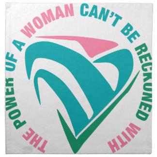 La puissance d'une pente de femme soit comptée serviettes en tissus