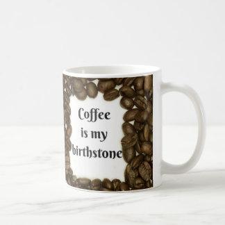 La tasse de café avec café de citation du 'est mon