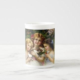 La tasse de porcelaine tendre de lapin d'animal