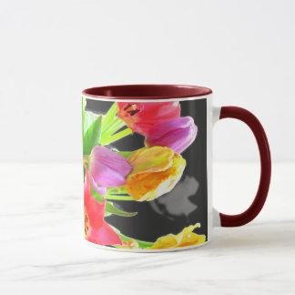 La tulipe fleurit la tasse