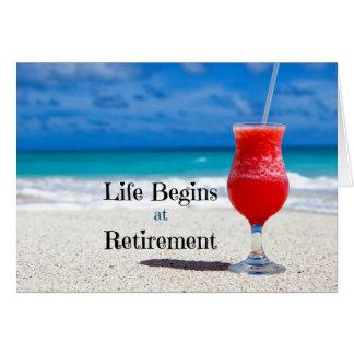 La vie commence à la retraite, boisson givrée sur carte de vœux