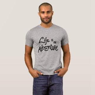 La vie est une chemise d'hommes d'aventure t-shirt