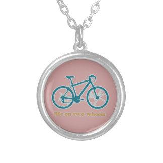 la vie sur des roues - vélos collier
