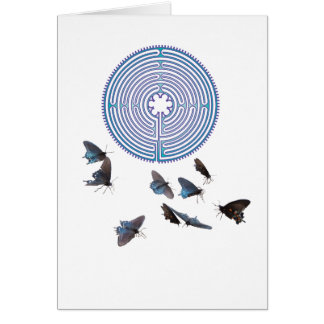 Labyrinthe avec la carte de voeux de papillons