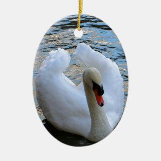 Lac swan ornement ovale en céramique
