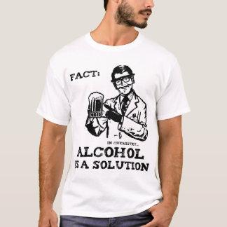 L'alcool est une solution en chimie rétro t-shirt