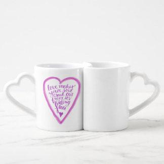 L'amour fait votre rampement d'âme mug