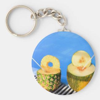 L'ananas et le melon portent des fruits avec des porte-clés