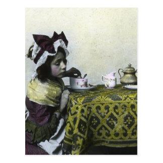 Lanterne magique vintage de fille de temps carte postale