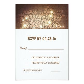 L'arbre allume les cartes les épousant en bois carton d'invitation 8,89 cm x 12,70 cm