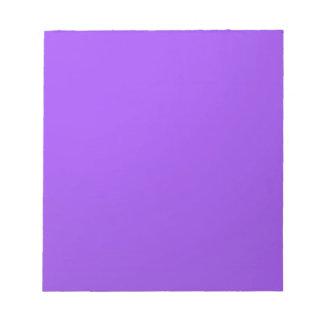 L'artiste a créé le ton pourpre de couleur : blocs notes