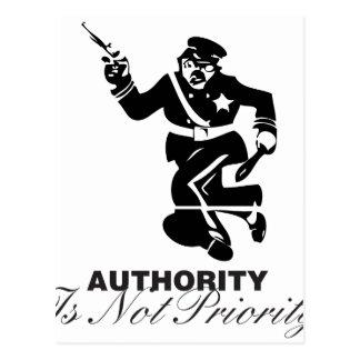 L'autorité n'est pas priorité carte postale