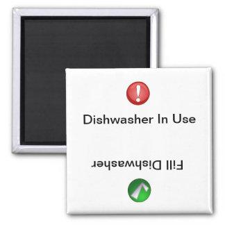 Lave-vaisselle en service/lave-vaisselle de suffis magnet carré