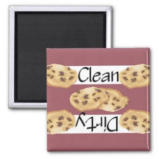 Lave-vaisselle propre ou sale de gâteaux aux magnet carré