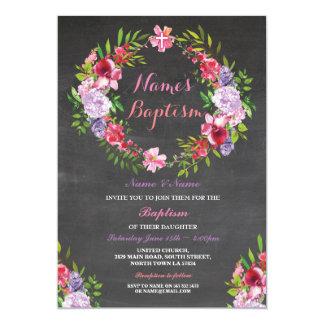 Le baptême floral de rose de guirlande fleurit carton d'invitation  12,7 cm x 17,78 cm