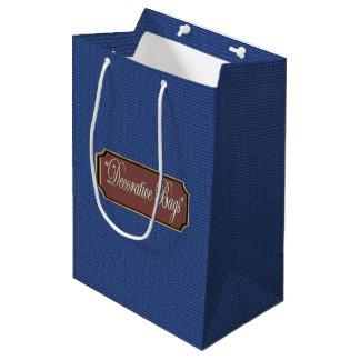 Le bleu ondule le sac moyen de cadeau