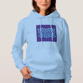 Le bleu ondule le sweatshirt à capuchon des femmes