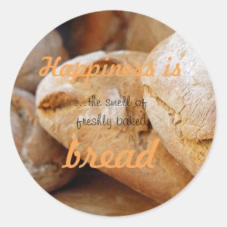 Le bonheur est l'odeur du pain fraîchement cuit au sticker rond