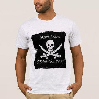 Le calembour drôle de pirate saisissent le T-shirt