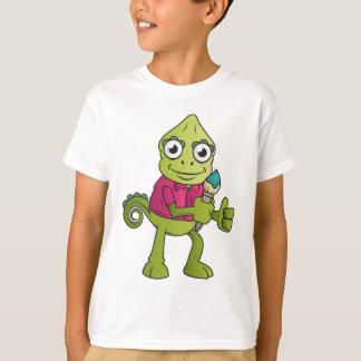 Le caméléon badine le T-shirt