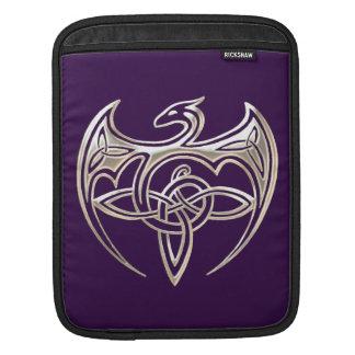 Le Celtic Trine de dragon argenté et pourpre noue Poche iPad