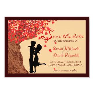 Le chêne en baisse de coeurs de couples d'amour carton d'invitation  12,7 cm x 17,78 cm