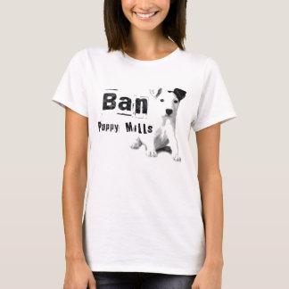 Le chiot d'interdiction fraise le T-shirt de