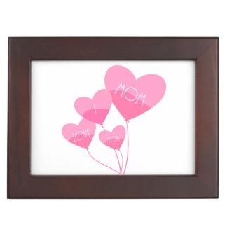le coeur rose monte en ballon je t'aime la maman boîte à souvenirs