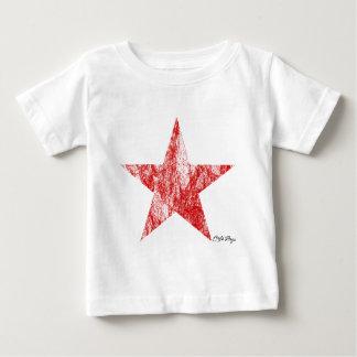 Le cru rouge d'étoile de coureur de café a dénommé t-shirt pour bébé