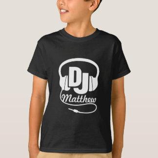 Le DJ votre blanc de nom sur le noir badine le T-shirt
