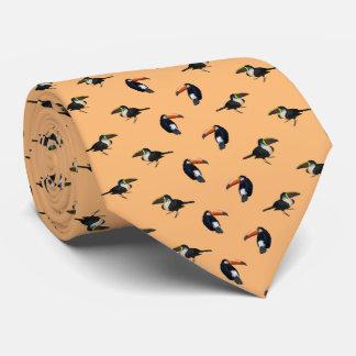 Le double de cravate de frénésie de toucan a