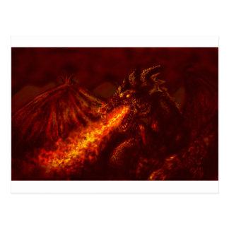Le feu de respiration de grand dragon rouge carte postale