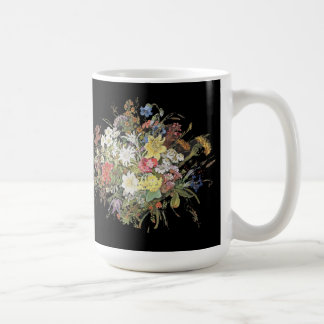 Le fleur sauvage d'Alpes fleurit la tasse florale