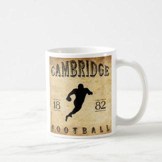 Le football 1882 de Cambridge le Massachusetts Mug Blanc