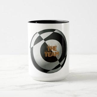 Le football noir et blanc mug