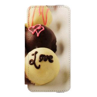 Le gâteau mord l'amour doux coque-portefeuille iPhone 5 incipio watson™