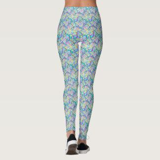 Le graffiti raye les guêtres bleues de yoga de ton leggings