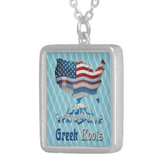 Le Grec américain enracine le collier