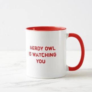 Le hibou ringard vous observe mug