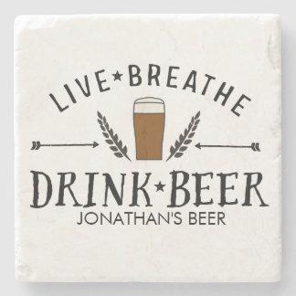 Le hippie d'amour de bière vivant respirent la dessous-de-verre en pierre
