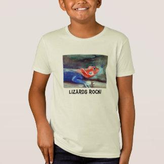 Le lézard africain d'arc-en-ciel badine le T-shirt