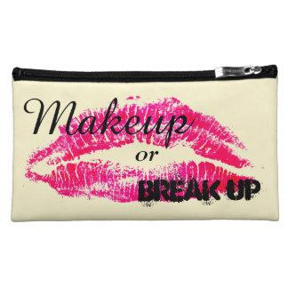 Le maquillage ou cassent le sac cosmétique - nécessaire pour maquillage