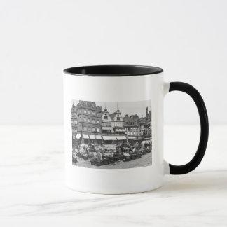 Le marché au Trier, c.1910 Mug