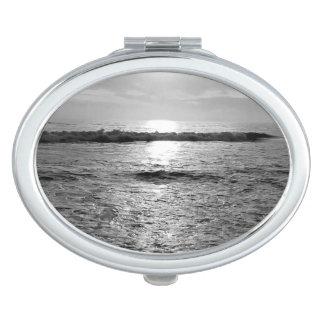Miroirs ovales designs pour miroirs ovales - Miroir ovale sur pied ...