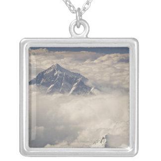 Le mont Everest Collier