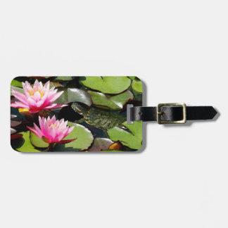 Le nénuphar de tortue de glisseur fleurit la faune étiquettes bagages