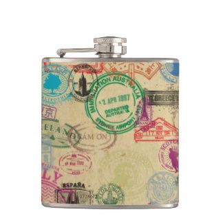 Le passeport vintage emboutit le flacon enveloppé