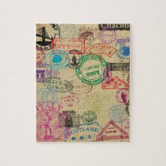 Le passeport vintage emboutit le puzzle de la