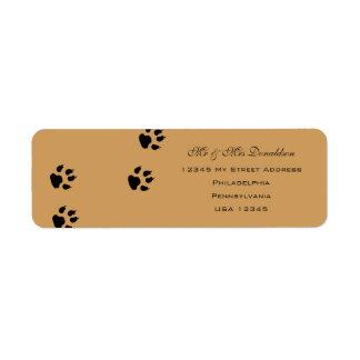 Le pied de chien imprime des étiquettes de adresse