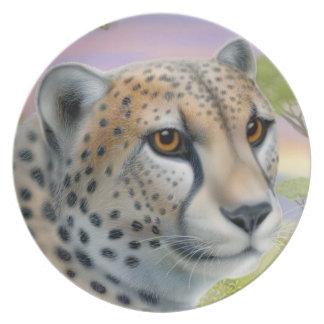 Le plat africain sauvage de chat de guépard assiette